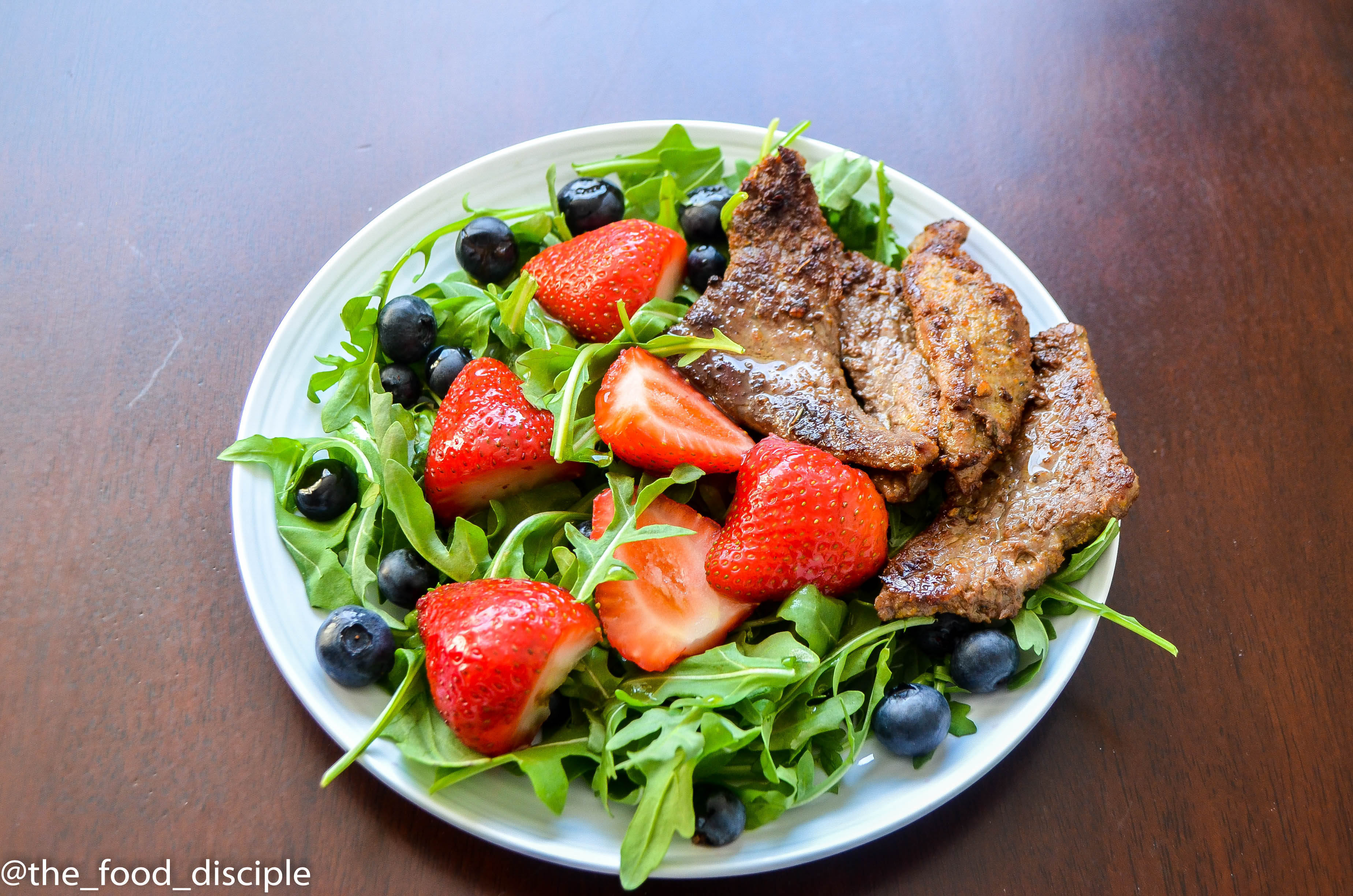 Berry Arugula Steak Salad with Balsamic Vinaigrette